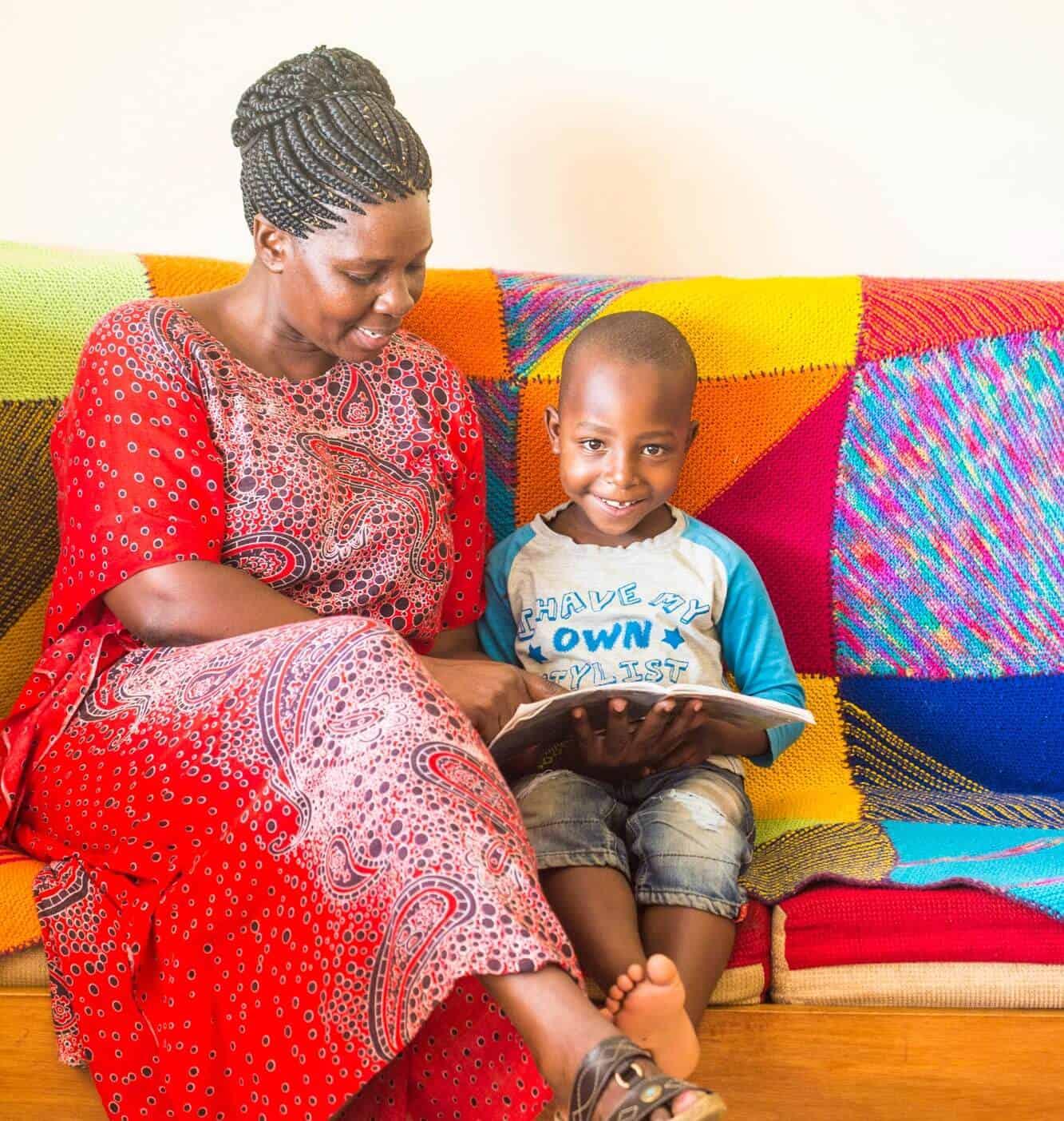 Miti Mingi Muma reading with child